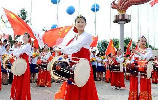 ...米,营养丰富,享誉全国.朝鲜族歌舞、朝鲜狗肉,颇具民族特色.