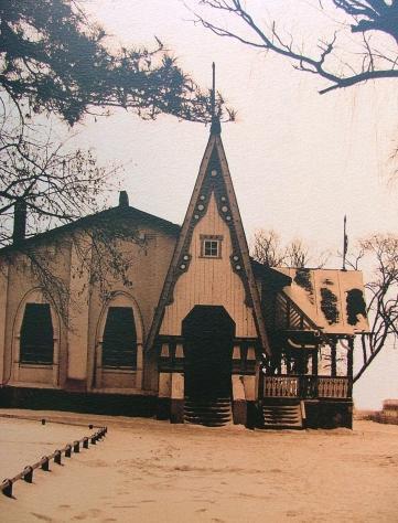 江畔餐厅的俄罗斯木结构建筑(图)