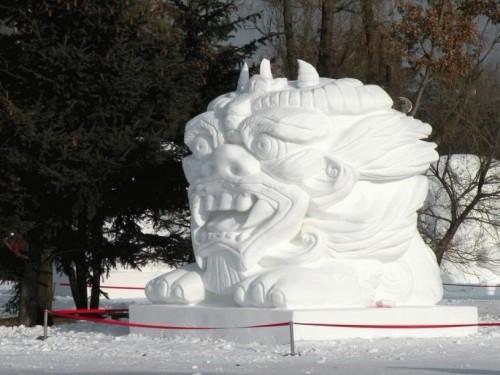 经过四天的精彩角逐,第十七届哈尔滨国际雪雕比赛于13日在太阳岛雪博