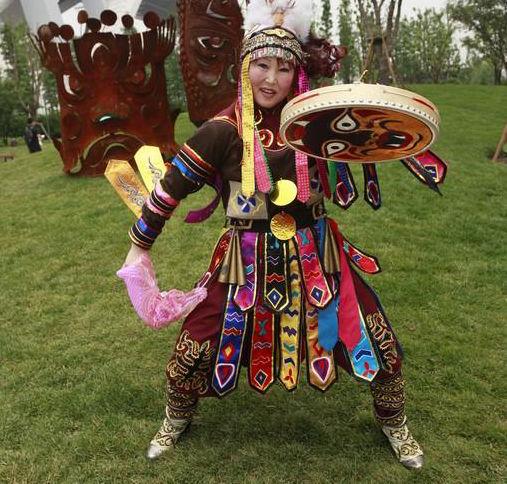 中国56个民族之--赫哲族