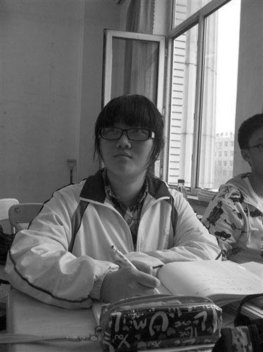 黑龙江省高中配额三年录取4539名重点生(图)_当义务兵高中毕业图片