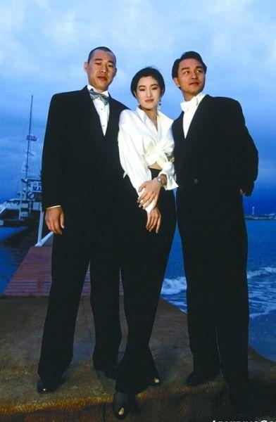 1993年,《霸王别姬》剧组合影