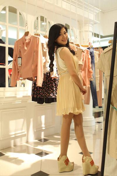 雪纺短裙―今夏必备流行单品