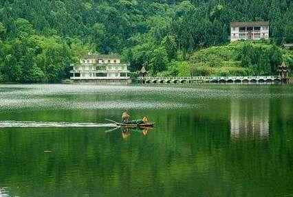 紫龙湖渡假村