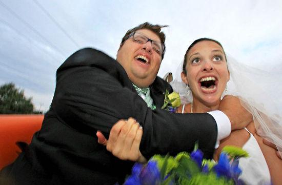 美国新人举办过山车婚礼