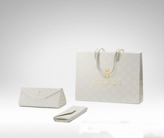 白色环保包装