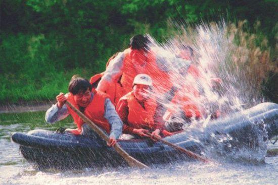 依兰巴兰河漂流