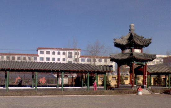塔子城古城遗址