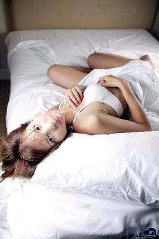 细说裸睡的N种好处 裸睡四大注意事项早知道