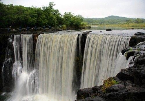 五大连池泉湖瀑布