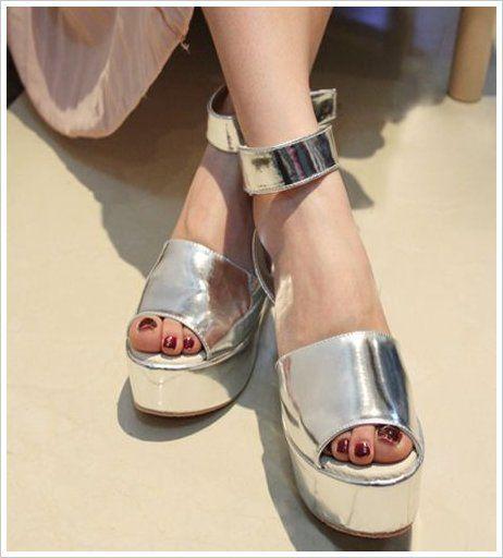 金属系色厚底松糕鞋