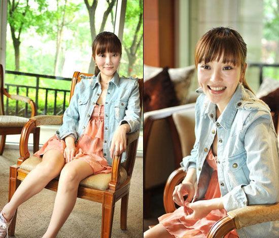 橘色吊带短裙+牛仔外套