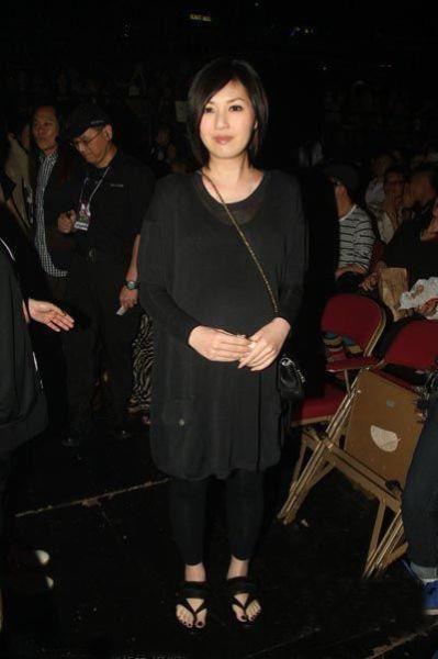 黑色透视直筒裙