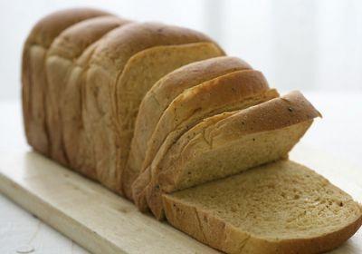 褐色面包就是全麦面包