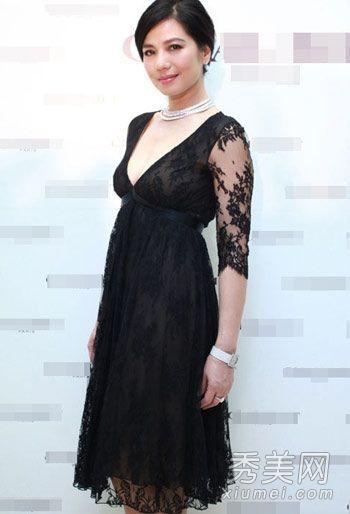 黑色蕾丝深V礼裙