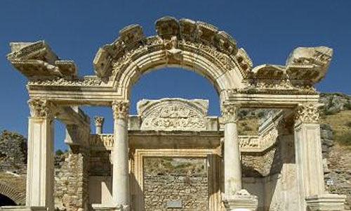哈德良神庙