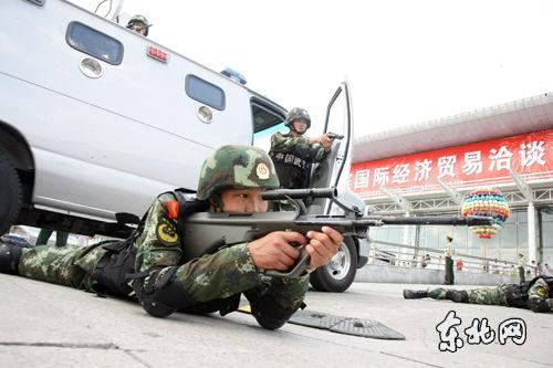 演练检验警方处置突发事件能力。东北网记者 孙晓锐 摄
