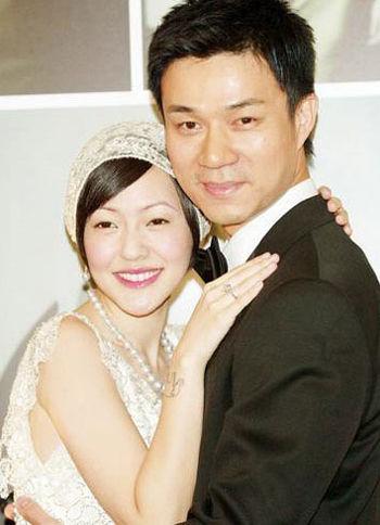 小S与许雅钧婚纱照