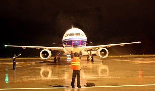 哈机场与旅行社合作开通的哈尔滨至普吉岛包机航线,自开通以来班班