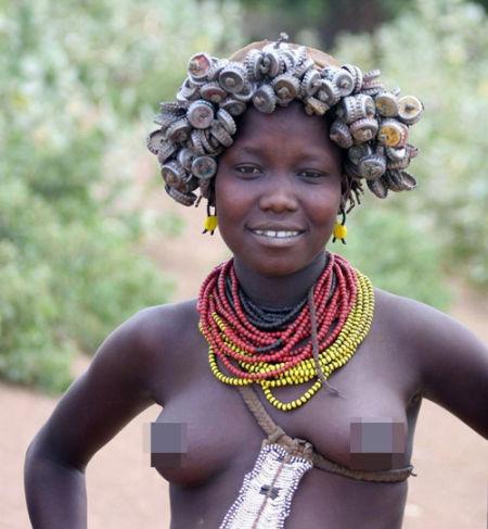 不为人知的非洲部落 女人基本不穿上衣_新浪黑