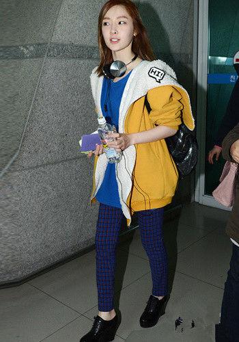 韩国人气4minutes组合火拼机场时尚秀