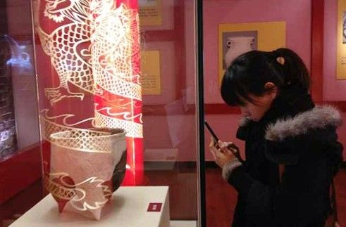 黑龙江省博物馆展出 青铜时代绳纹陶鬲