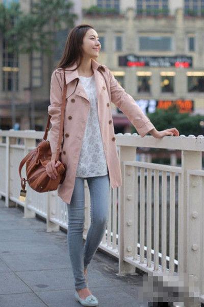 粉色薄风衣