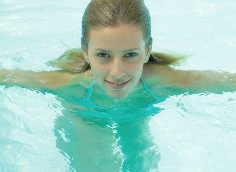 夏季游泳减肥快速节食月经期间瘦身月经不走图片