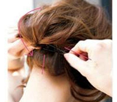 短发扎辫子的方法图解步骤图片