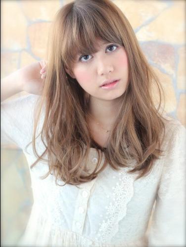 中长发齐刘海发型图片2016女 (376x500)图片
