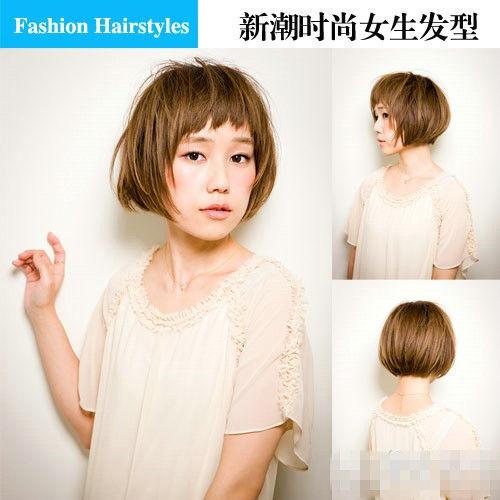 圆润的发尾增添可爱感,整个发型减龄效果明显,头发颜色衬得皮肤很粉嫩