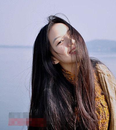 超人气女生长发发型 散发甜美清新柔美气质