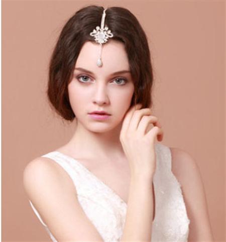 中分盘发编发图解; 新娘发型绝对是整场婚礼的一大亮点; 2014女人味图片