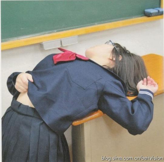 日本男女生露骨性教育 性信息随意获取 教育