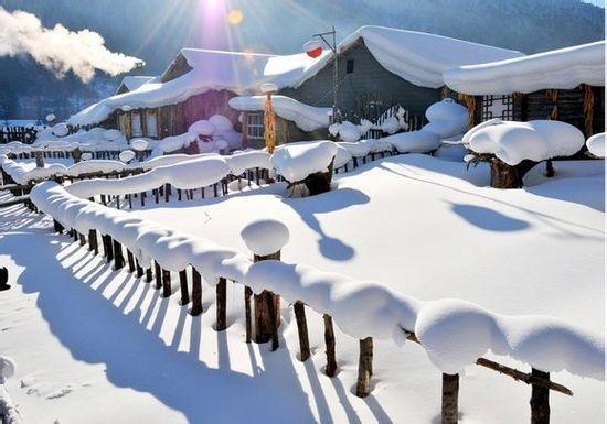 城市频道 旅游热点 正文    雪乡,牡丹江双峰林场,一个小山村,因特殊