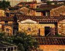 泉州樟脚村一座自然古朴的七彩城堡