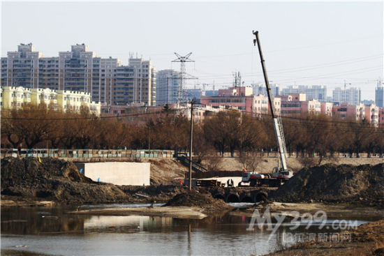 哈尔滨何家沟桥加紧施工 通车后将形成快速干道