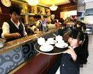 郑州袖珍人主题餐厅店员平均身高1.3米