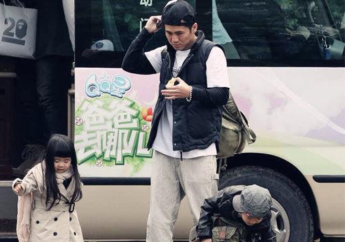《爸爸2》高清图曝光曹格带俩孩子参加