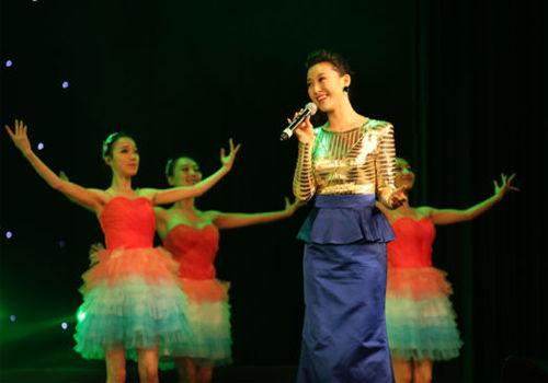 常思思演唱《春天的芭蕾》聋哑舞者伴舞