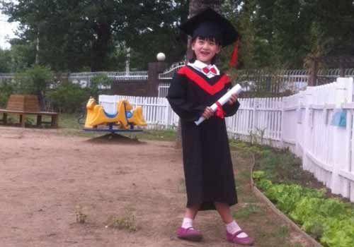 田亮女儿幼儿园毕业(组图)