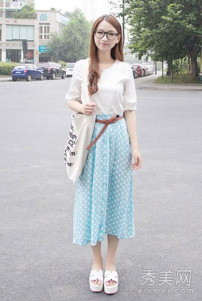 当纯净白色邂逅蓝色 清新色调给夏日降温