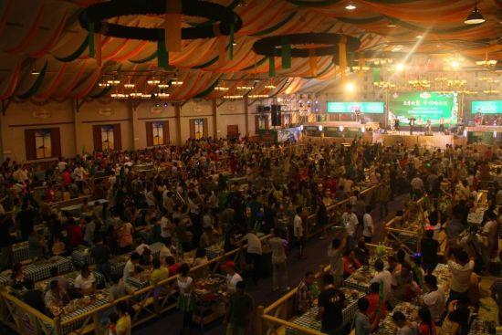 哈尔滨啤酒节人均消费_哈尔滨啤酒节