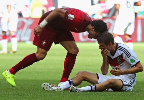 2014巴西世界杯球员被红牌罚下集锦