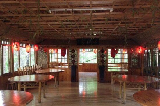 餐厅木屋隔断图片