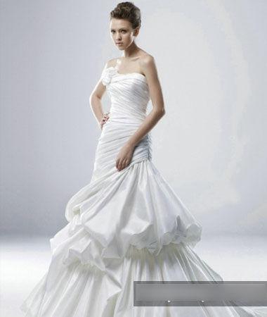 骨感的新娘适合多层次婚纱-为你的体型选合适婚纱 做美新娘