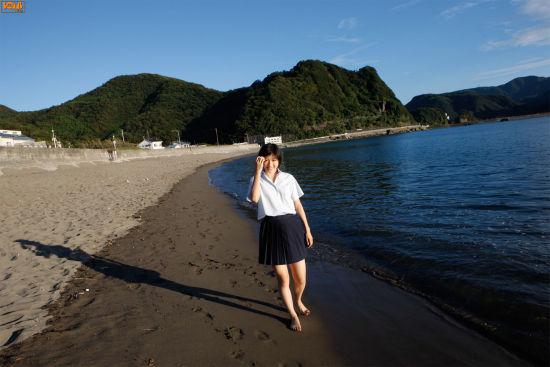 日本90后女星清纯制服写真图