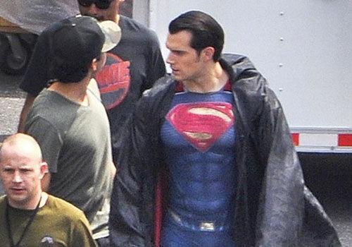 《蝙蝠侠大战超人》超人片场照肌肉醉人