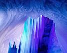山西芦芽山万年冰洞中国具穿越色彩景区