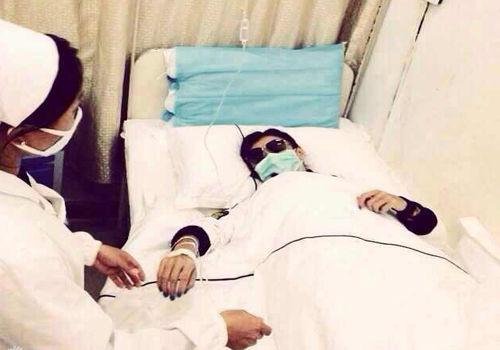 张柏芝入院病床照曝光瘦骨嶙峋吊水